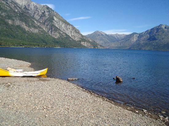 El Hoyo, Argentina: Lago Epuyen