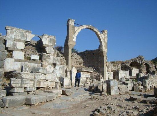 Dominatius Square