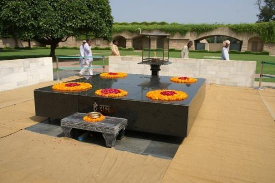 Gandhi Smriti : Ganghi's samadhi at Rajghat - the site of his cremation