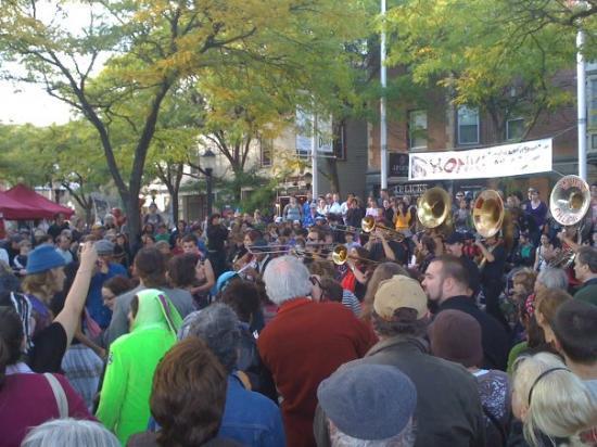 Honk Fest 2009 in Davis Square