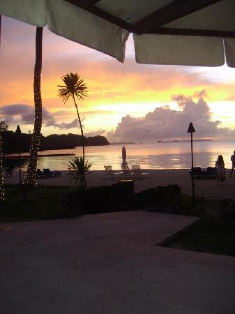 Palau Pacific Resort: The beautiful sunset from the pool bar.