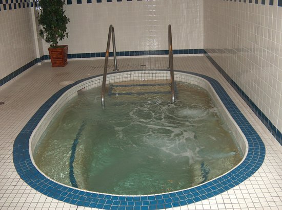 Hotel Blackfoot: hot tub