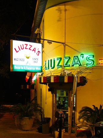 ‪Liuzza's Restaurant & Bar‬