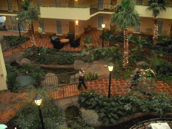 Embassy Suites by Hilton Memphis: VIEW FROM OUTSIDE OF ROOM