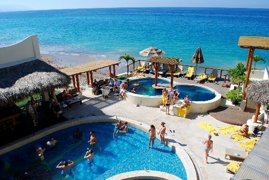 Hotel Playa Fiesta: Daily scene