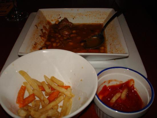 MAMBO Nuevo Latino: Leftover chili, cold fries and ketchup