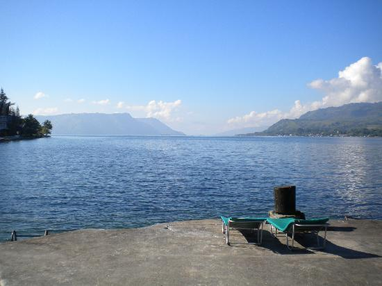 Samosir, Indonesia: Access to the lake at Tabo Cottages