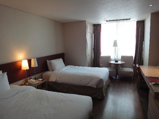 Ramada Hotel and Suites Seoul Namdaemun: 部屋