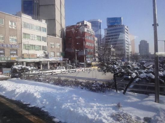 Ramada Hotel and Suites Seoul Namdaemun: 雪