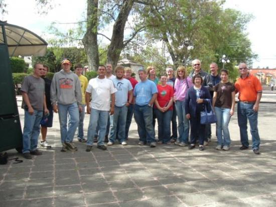 Amealco de Bonfil, Mexico: Our group in Amealco, Mexico. We went shopping there.