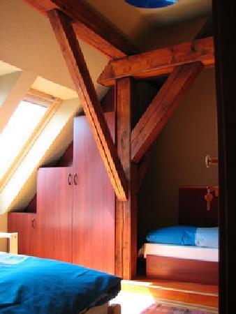 7x24 Central Hostel: Room1