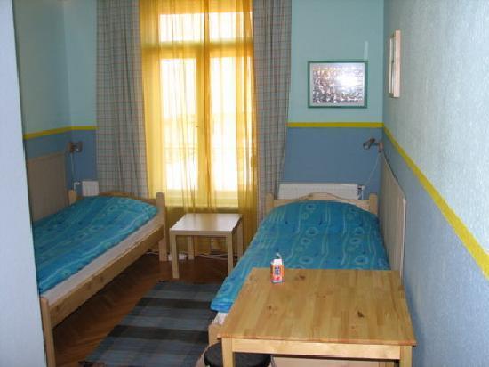 7x24 Central Hostel: Room5