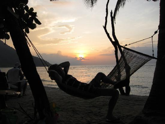 Sunset at Aninuan Beach Resort: hammock