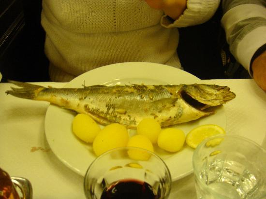Le Bouillon Chartier: prato principal - Salmonette