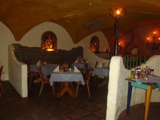 Lieblingsplatz, mein Tirolerhof: Tavern
