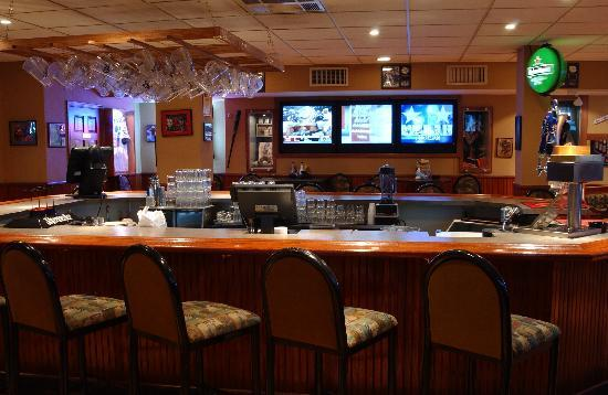 Legends Sports Bar and Grille : Legends also has non-smoking bar