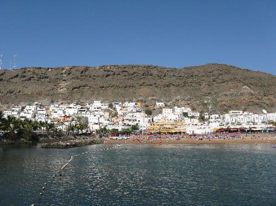Yellow submarine in Puerto de Mogan - Picture of Cordial Mogan Playa, Puerto ...