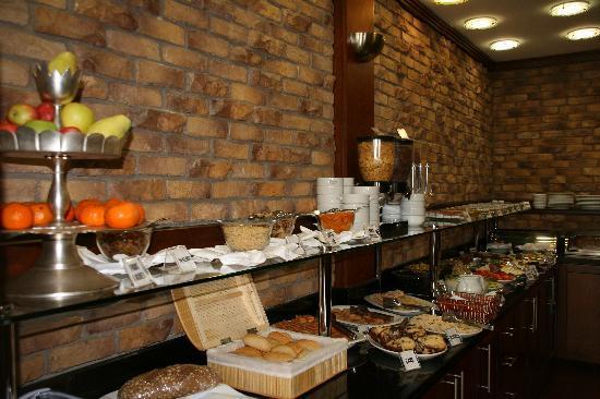 Hotel Mina: Breakfast -- gorgious