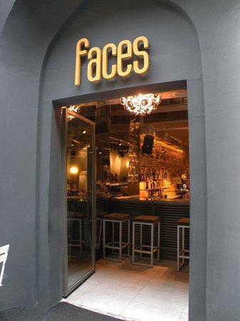 Faces: Entres