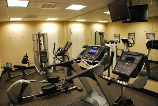 Holiday Inn Express Hotel & Suites: Our fitness center is avaliable 24hours a day