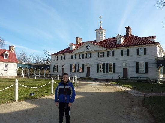 George Washington's Mount Vernon: CJ and the Mansion
