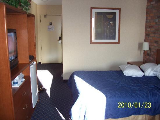 Travelodge Barrie On Bayfield: you basic room