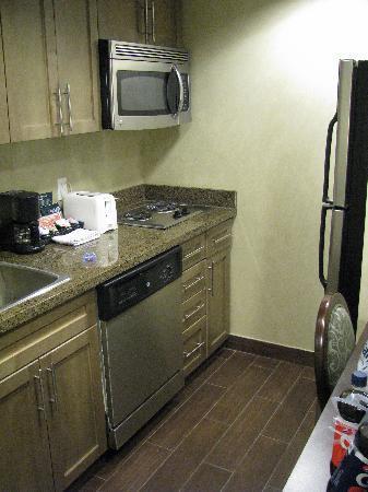 Homewood Suites by Hilton Toronto-Markham: Kitchen