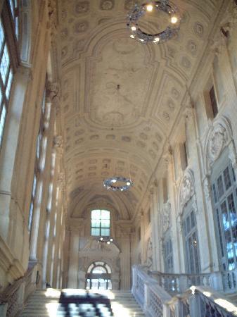 Civic Museum of Ancient Art (Palazzo Madama) : マダマ宮 大階段