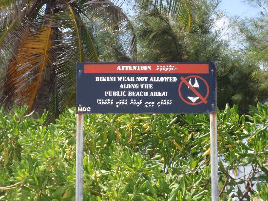 Kaafu: No bikinis allowed :(