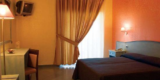 Hotel Villaggio Stella Maris: Interno Camere Resort