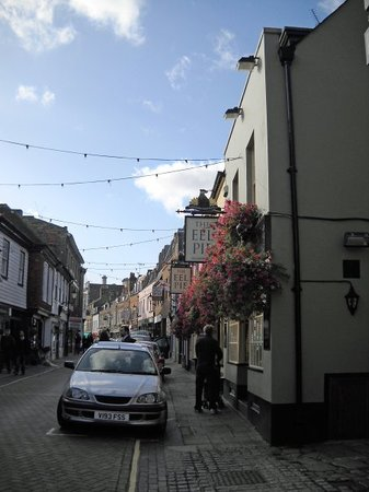Twickenham, UK: Church Street