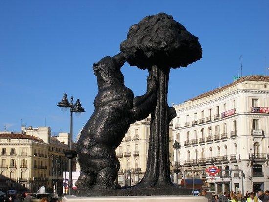 Estacion sol renfe cercanias plaza sol picture of for Plaza de puerta del sol madrid