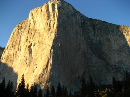 El Capitan: The largest single piece of granite in the world!!!!