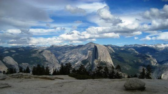 Sentinel Dome: THE VIEWS.....