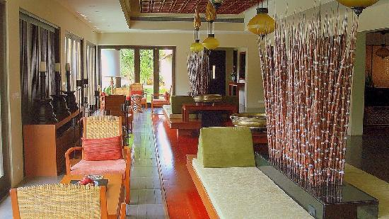 Radisson Blu Resort & Spa Alibaug : Entrance Lobby