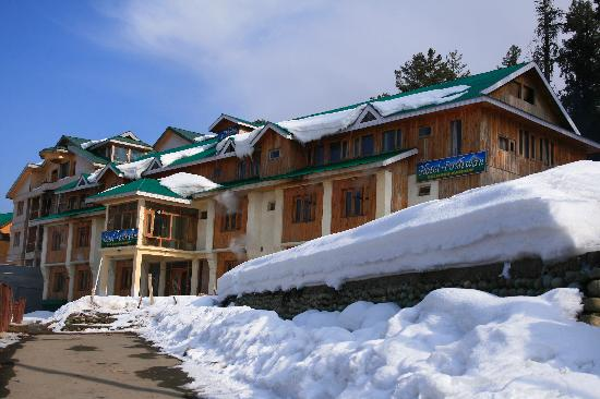 Poshwan Hotel: Hotel exterior view