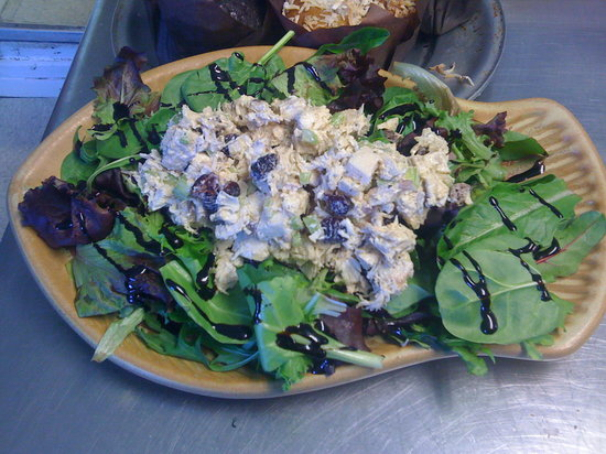 Positively 4th Street Cafe : Chicken Salad platter