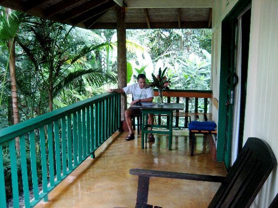Hotel Villas Gaia: Our bungalow deck