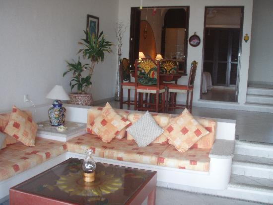 Villa las Brisas: One Bedroom Condo
