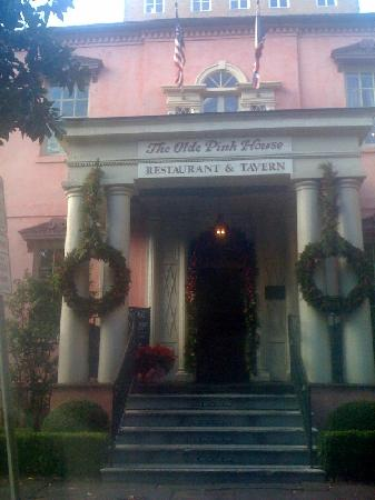 Olde Pink House Restaurant: Entrance to The Olde Pink House