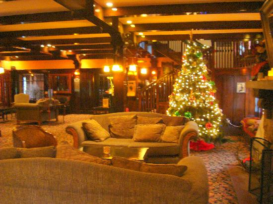 Glen Tavern Inn: Lobby.