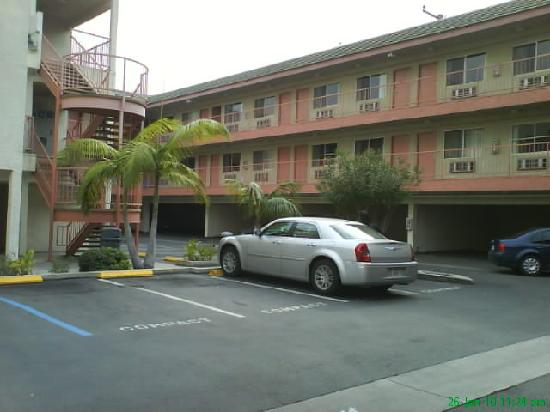 Huntington Park Travel Inn: View from main entrance #1