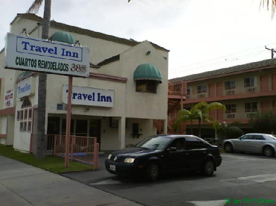 Huntington Park Travel Inn: View from main entrance #2
