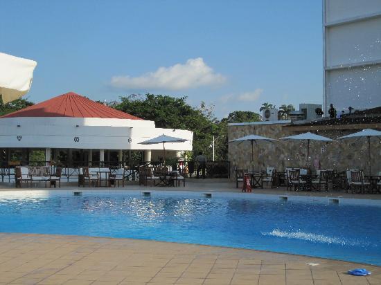 Golden Tulip Kumasi City: swimming pool