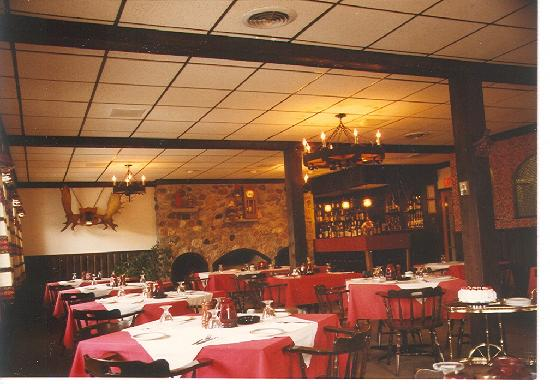 Lake Shore Salzburger Hof Resort: Salzburger Hof Dining Lounge