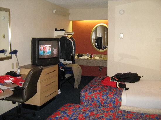 Red Roof Inn Dallas - DFW Airport North: Our room