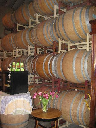 Claiborne & Churchill Winery: tasting room