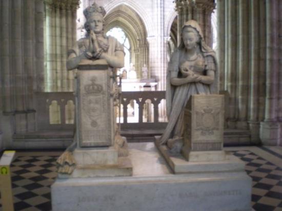 Basilica Cathedral of Saint-Denis: Basilique Saint Denis - tombs - Louis XVI & Marie Antoinette