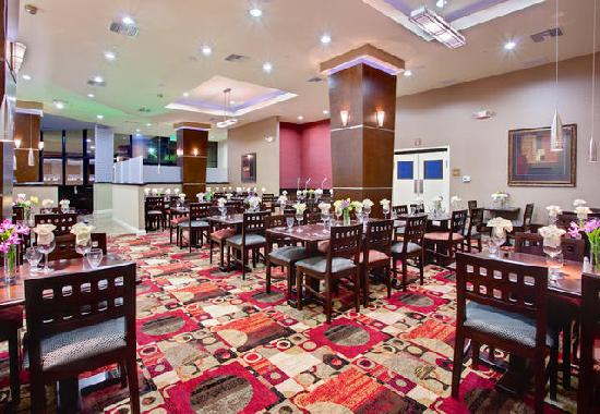 Holiday Inn Hotel & Suites Anaheim - Fullerton: 57 Bar & Grill