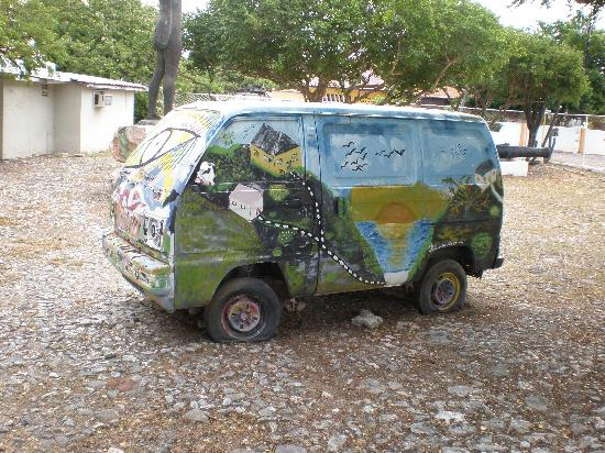 Curacao Museum: Modern art on the grounds